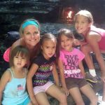 Gerçek Bir Arkadaşlık Hikayesi – Arkadaşı Ölünce 4 Çocuğunu Da Evlatlık Edindi