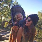 Küçük Kızının Geleceğine Doğada Yön Veren Genç Anne