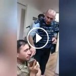 Komutandan askere: Benim gibi silahlarınızı bırakın