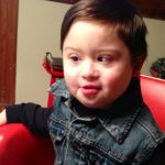Engelli Çocukla Dalga Geçen Müşterisine Garson Ağzının Payını Bakın Nasıl Verdi