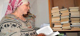 """Köyünden çıkmadan 3 bin kitap okudu """"Sıra dışı okur"""" unvanıyla ödüllendirildi"""