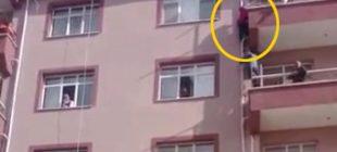5'nci kattan düştü, su borusuna tutunarak hayatta kaldı