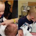 Down sendromlu çocuğun, yeni doğan kardeşiyle yürekleri eriten ilk buluşması!
