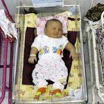 Annenin İki Bebeği De Kilolu Doğdu. Doktorlar Üçüncüyü Görünce Gözlerine İnanamadılar!