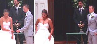 İşitme Engelli Eşinin En Sevdiği Şarkıyı Düğünlerinde İşaret Diliyle Söyleyen Muhteşem Gelin