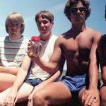 Beş arkadaş 30 sene boyunca aynı yerde fotoğraf çekildiler