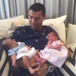 Ronaldo'nun ikiz bebekleri oldu