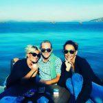 Ünlü şarkıcı İstanbul'u bıraktı, köyde öğretmen oldu