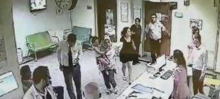 Çocuğunu muayene eden doktora saldırdı, yerlerde sürükledi Doktor istifa etti