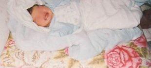 Annesinin uyuttuğu 6 aylık bebek, iki yatağın arasında sıkışarak can verdi