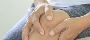 Diz ağrısı ameliyatı olan Nermin Hanım'ın dizlerinden tam 967 adet eklem faresi çıktı!