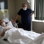 Antalya'da iki böbreği de çalışmayan Sabriye Çelik, eşinin böbreğiyle hayata tutundu