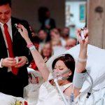 Hastalığını hiçe sayarak sevdiği kadınla evlendi, doktorlar ömrü yetmez dedi bu fotoğrafı çektirdikten sadece 18 saat sonra aşkla son nefesini verdi