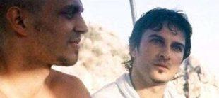 Tarkan'ın yanında otururken fotoğrafı yıllar sonra ortaya çıktı… Şimdi onu tüm Türkiye tanıyor!