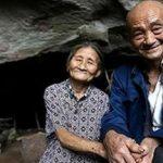 Çinli çift 54 yıldan beri mağarada yaşıyor, Kendilerine bambaşka bir dünya kurdular!