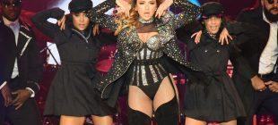 RTÜK'e inat… Hadise'nin konserdeki kıyafeti geceye damga vurdu
