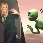 Çağla Şikel'in Uzaylı Dansı 12 Saatte İki Buçuk Milyon İzlendi Sosyal Medya Yıkıldı