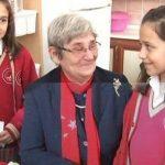 İlkokul öğrencisi Canan Karatay'a öyle bir soru sordu ki Canan Karatay Hüngür Hüngür Ağladı