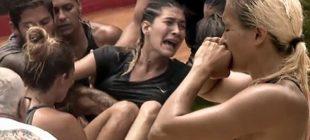 Survivor'da korkunç olay: Berna bir anda çığlık attı! Ünlüler takımında yer alan Berna Canbeldek, havuza atladığı sırada…