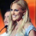 Cannes'a katılan Meryem Uzerli'nin dudakları dikkat çekti