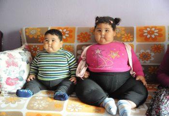 Doktorlar teşhis koyamadı! Her ay 3 kilo alıyorlar