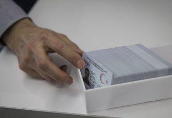 Yeni çipli kimlik kartlarını almayanlar bu habere dikkat!