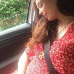 Azra Akın'dan hamilelik pozu